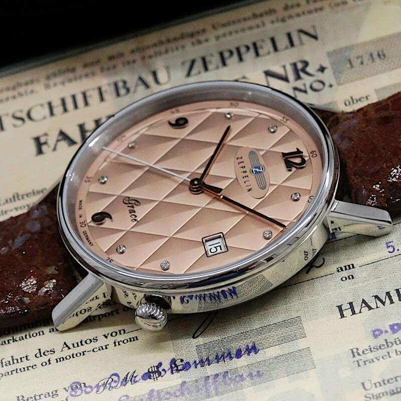 Wessen Name steht auf der Uhr Zeppelin Grace?
