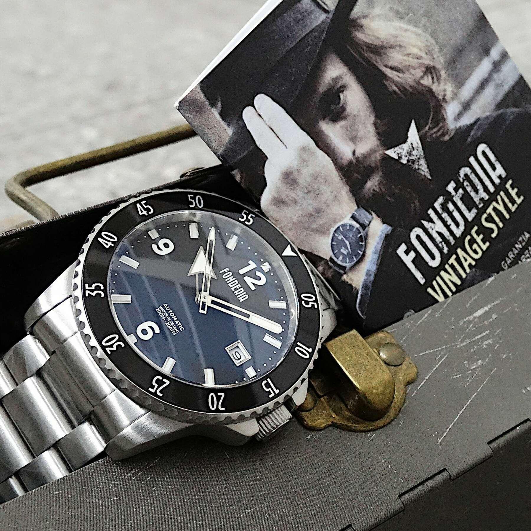An welcher Hand ist es richtig, eine Uhr zu tragen?